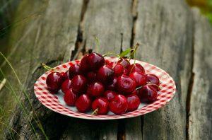 5.ČEŠNJE (1 skodelica – 84 kalorij, 1g maščob) so bogate z antociani, ki varujejo srce. (vir: Pixabay.com)