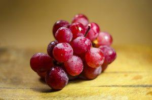 13.RDEČE GROZDJE (1 skodelica – 113 kalorij, 0g maščob) ohranja zdravo srce.