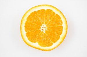 10.POMARANČE (1 pomaranča – 61 kalorij, 0g maščob) vsebuje od 50 – 70mg vitamina C, folno kislino in kalcij.