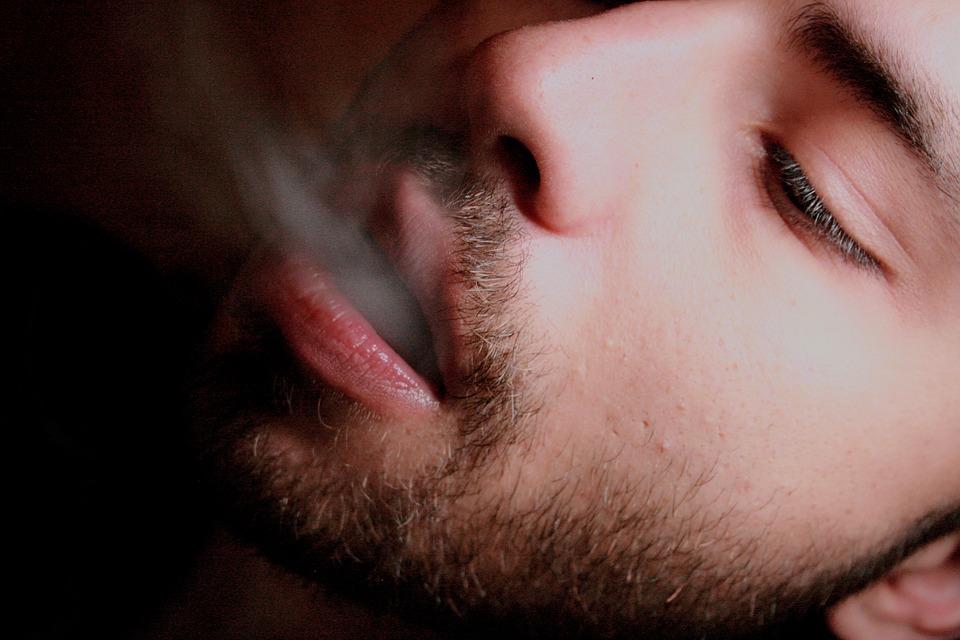 smoking-2247350_960_720