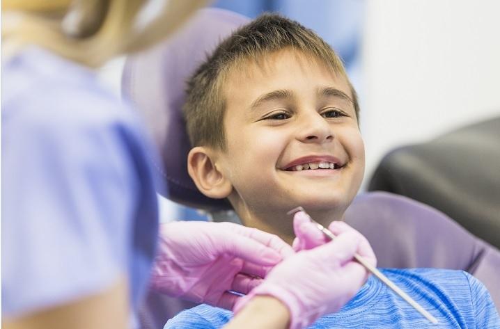 Pravočasna ortodontska terapija je pri otrocih ključnega pomena.